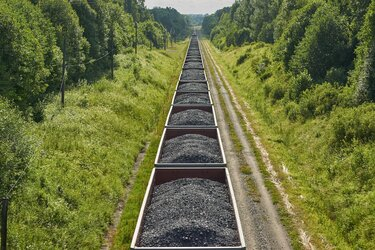 Workers In All Sectors That Rely On Coal Risk Fiscal Collapse