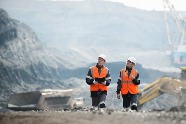 Experts Say a Revival in the Coal Industry Is Practically Impossible